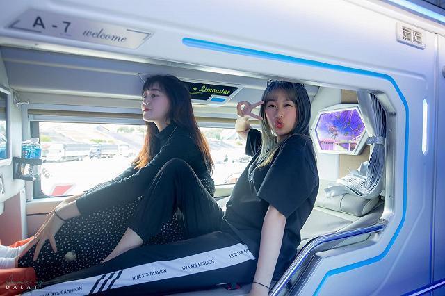 Xe Limousine giường đôi dành riêng cho Couple vi vu Saigon-Đà Lạt