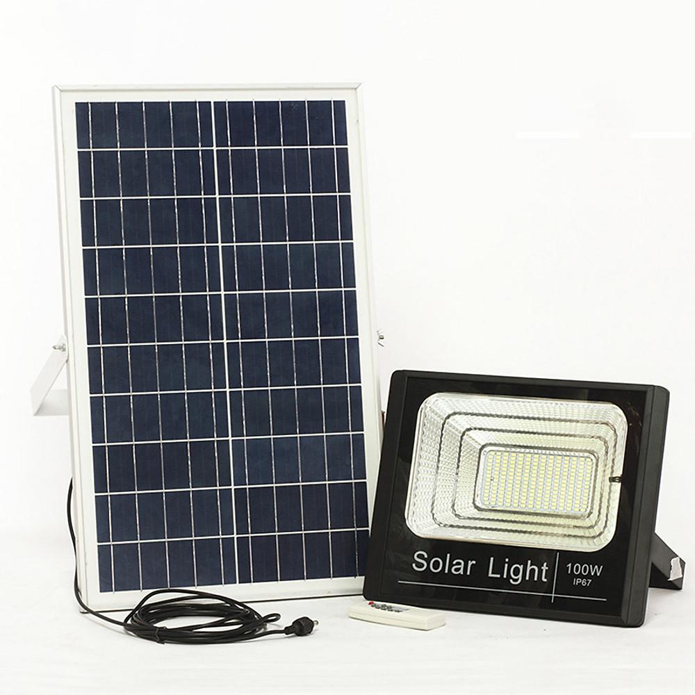 So Sánh Giá Đèn LED Năng Lượng Mặt Trời 100w